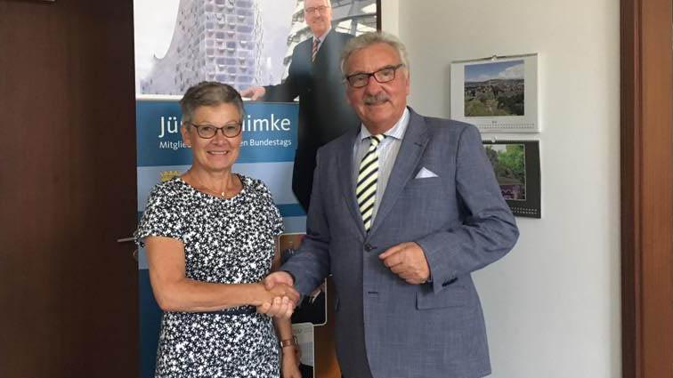 Monika Diem-Geßner welcomes Jürgen Klimke